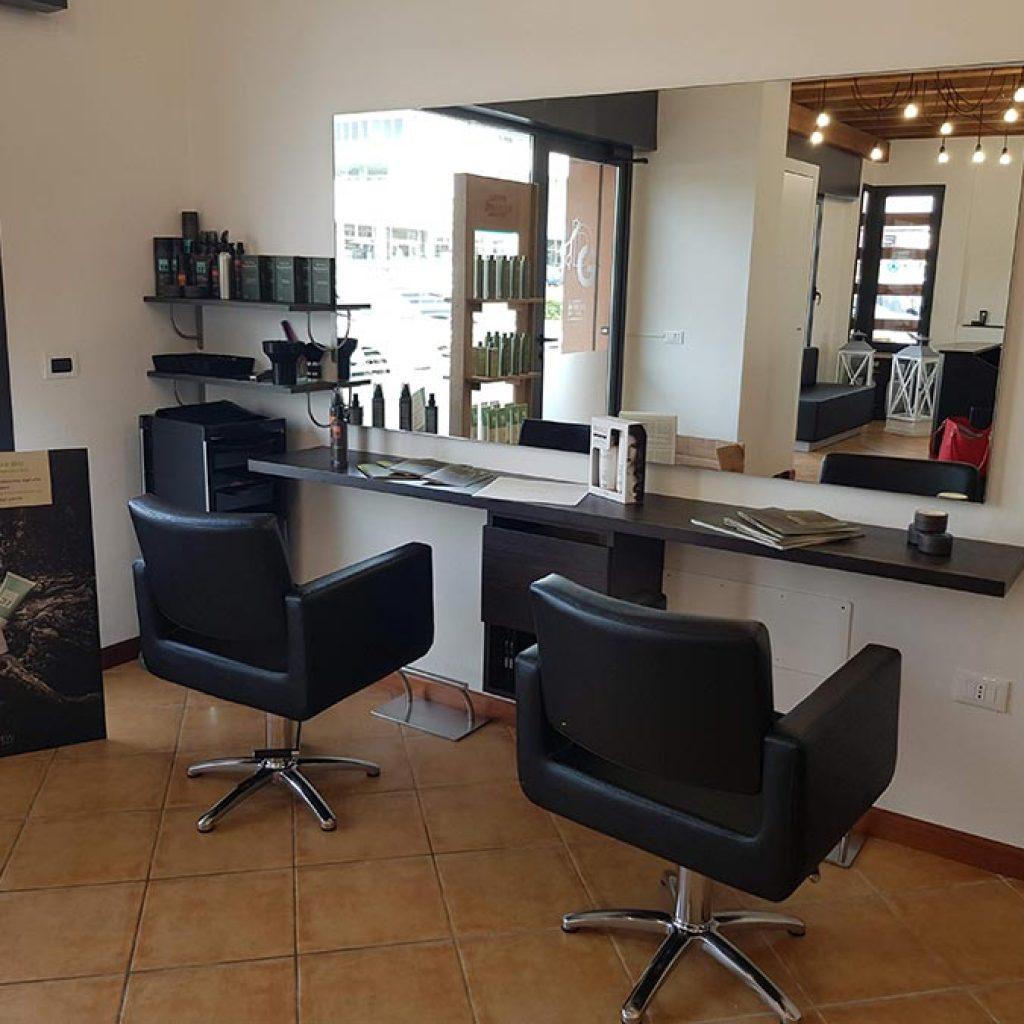 Arredamento per parrucchieri arredamento salone di bellezza for Mobili per salone